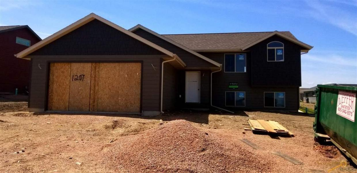 1207 Kodiak Drive, Box Elder, SD 57719