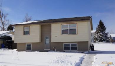 4015 Oiler Ln, Rapid City, SD 57701