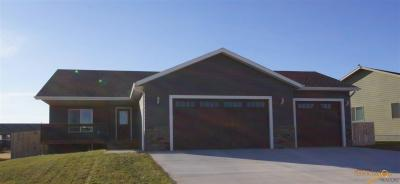 Photo of 7430 Castlewood Dr, Summerset, SD 57718
