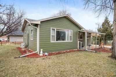 Photo of 105 S 20th, Hot Springs, SD 57747