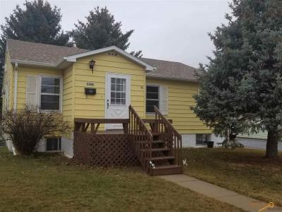 Photo of 1310 9th Ave, Belle Fourche, SD 57717