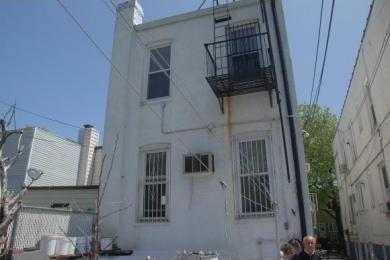 2044 West 10 St, Brooklyn, NY 11223
