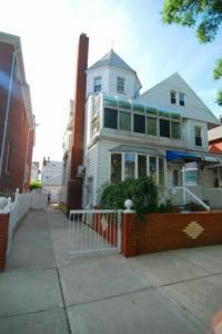 46 Bay 17 St, Brooklyn, NY 11214