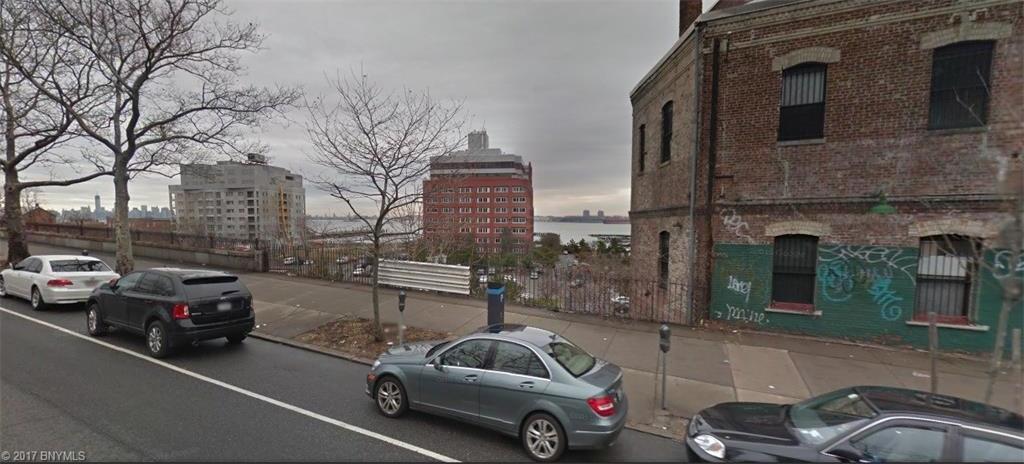Bay Street, New York, NY 10301