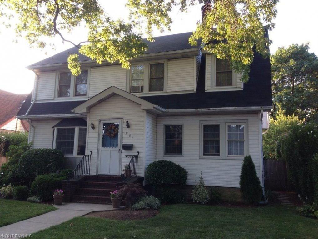 861 Lorenz Avenue, Baldwin, NY 11510