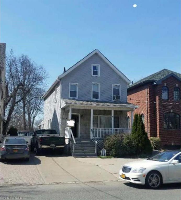 324 Clarke Avenue, Richmond, NY 10306