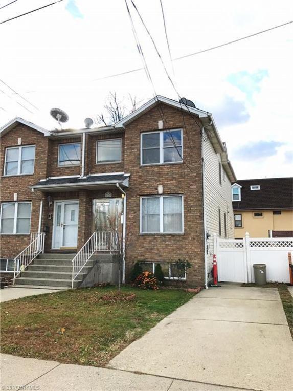 120 Lily Pond Avenue, Richmond, NY 10305