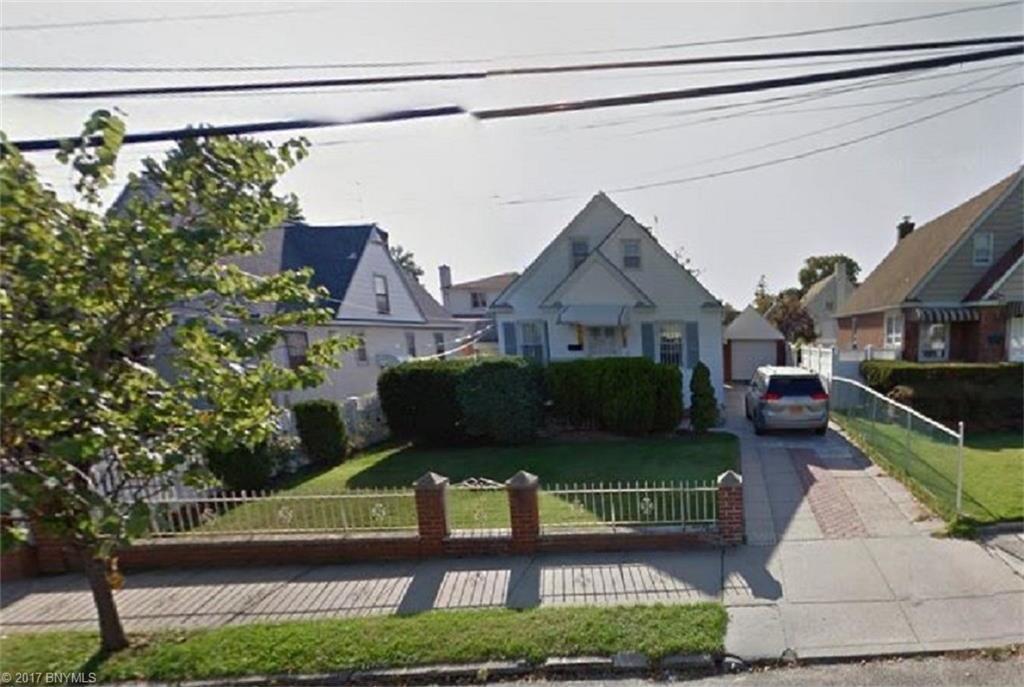 3424 205 Street, Flushing, NY 11361