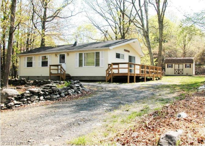 139 Gap View Circle, Bushkill, PA 18324