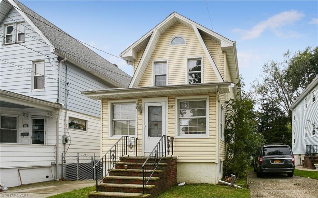 42 Lexington Avenue, Staten Island, NY 10302