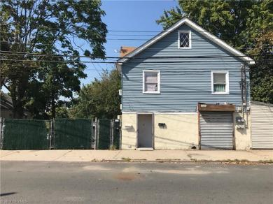Withheld Withheld Road, Staten Island, NY 10309