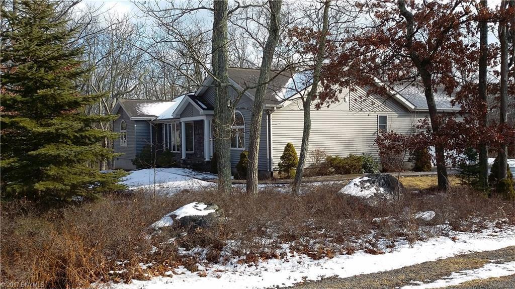 101 Pinto Lane, Lords Valley, PA 18428