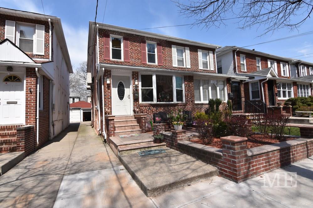 33 89 Street, Brooklyn, NY 11209