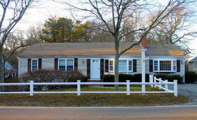 Photo of 72 Pine Street, Barnstable, MA 02601