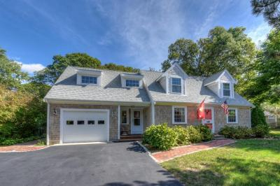 Photo of 80 Dunns Pond Road, Barnstable, MA 02601