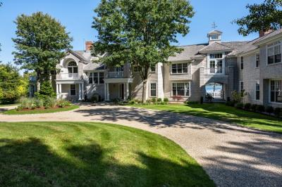 Photo of 81 Oyster Way, Barnstable, MA 02655