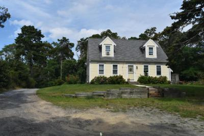 Photo of 124 Upper County Road, Dennis, MA 02639