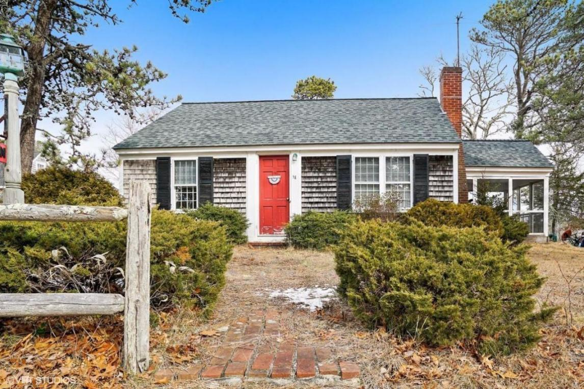 18 Uncle Franks Road, Dennis, MA 02670