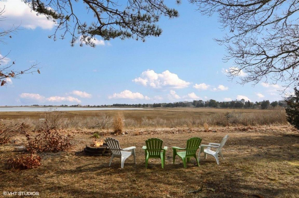 18 Gulls Cove Road, Yarmouth, MA 02673