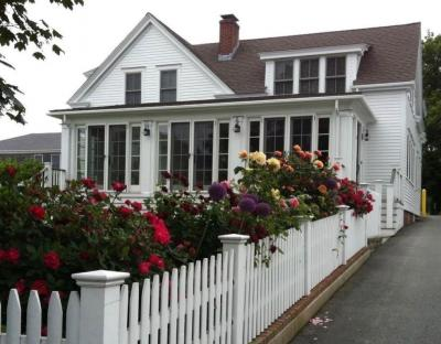 Photo of 4 Dyer Street, Provincetown, MA 02657