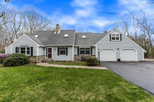 Photo of 893 Osterville-west Barnstable Road, Barnstable, MA 02648