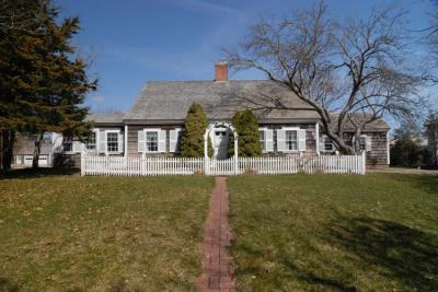 Photo of 5 Smiths Point Road, Yarmouth, MA 02673