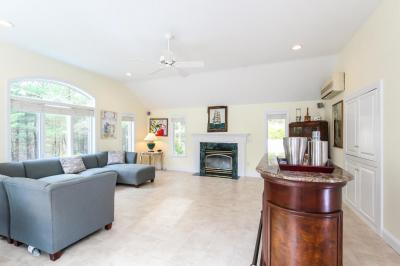 Photo of 422 Cotuit Bay Drive, Barnstable, MA 02635