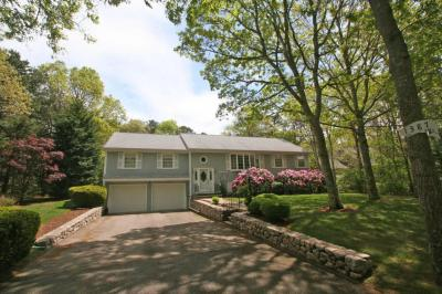 Photo of 1387 Old Post Road, Barnstable, MA 02648