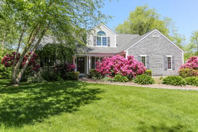 Photo of 9 Stoney Pond Circle, Barnstable, MA 02648