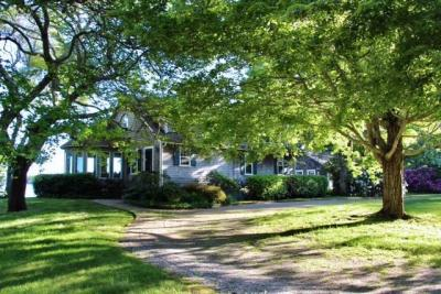 Photo of 16 Lakeview Drive, Barnstable, MA 02630