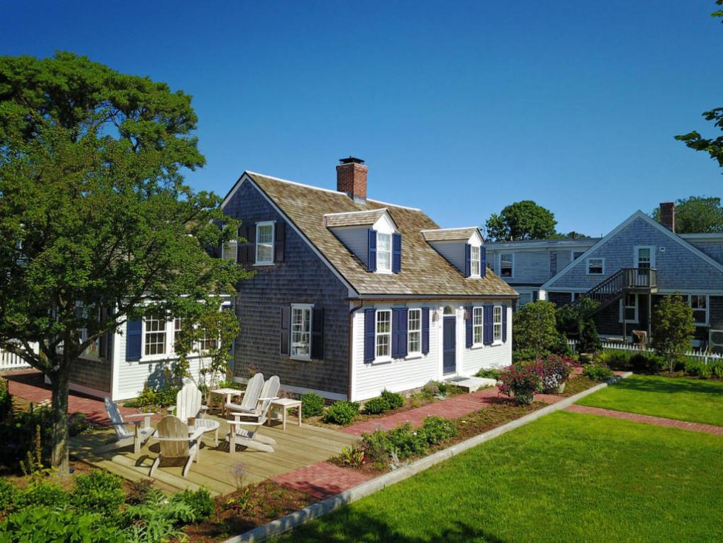 82 Commercial Street, Provincetown, MA 02657