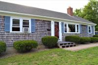 93 Crooked Pond Rd, Barnstable, MA 02601