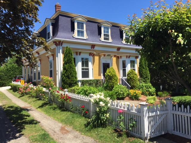 584 Commercial Street, Provincetown, MA 02657
