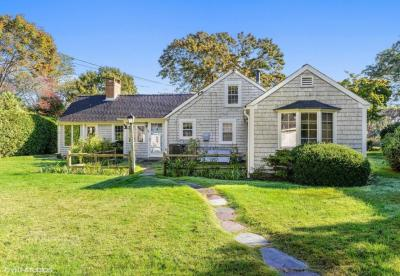 Photo of 98 Hayes Road, Barnstable, MA 02630
