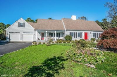 Photo of 674 Route 6a, Yarmouth, MA 02675