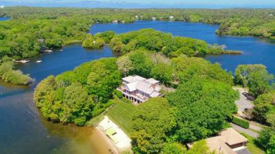 Photo of 286 Holly Point Road, Barnstable, MA 02630