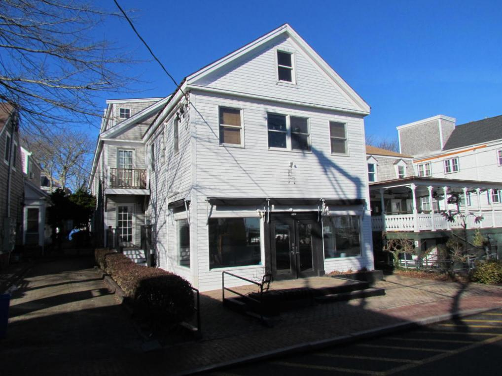 184 Commercial Street, Provincetown, MA 02657