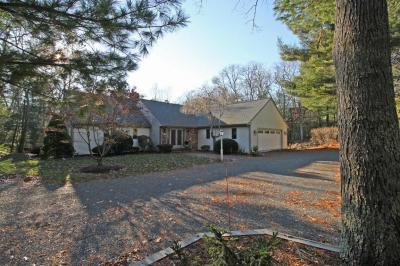 Photo of 27 Winding Cove Road, Barnstable, MA 02648