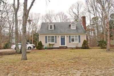 Photo of 8 Kerry Drive, Barnstable, MA 02648