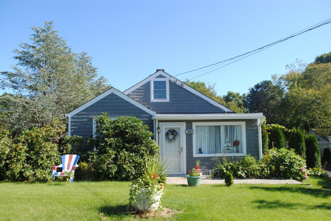 645 Waquoit Highway, Falmouth, MA 02536