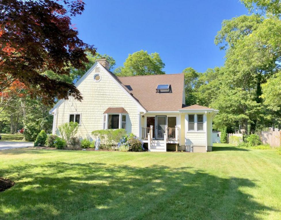 650 Old Strawberry Hill Road, Barnstable, MA 02630