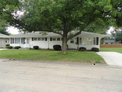 Photo of 841/843 Timberline Road, Monticello, IA 52310