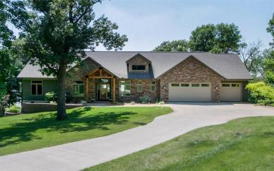 Photo of 302 Summit Drive NE, Solon, IA 52333