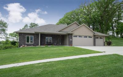 Photo of 5521 River Parkway NE, Cedar Rapids, IA 52411