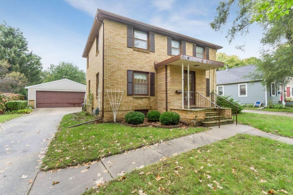 209 S Russell Avenue, Ames, IA 50010