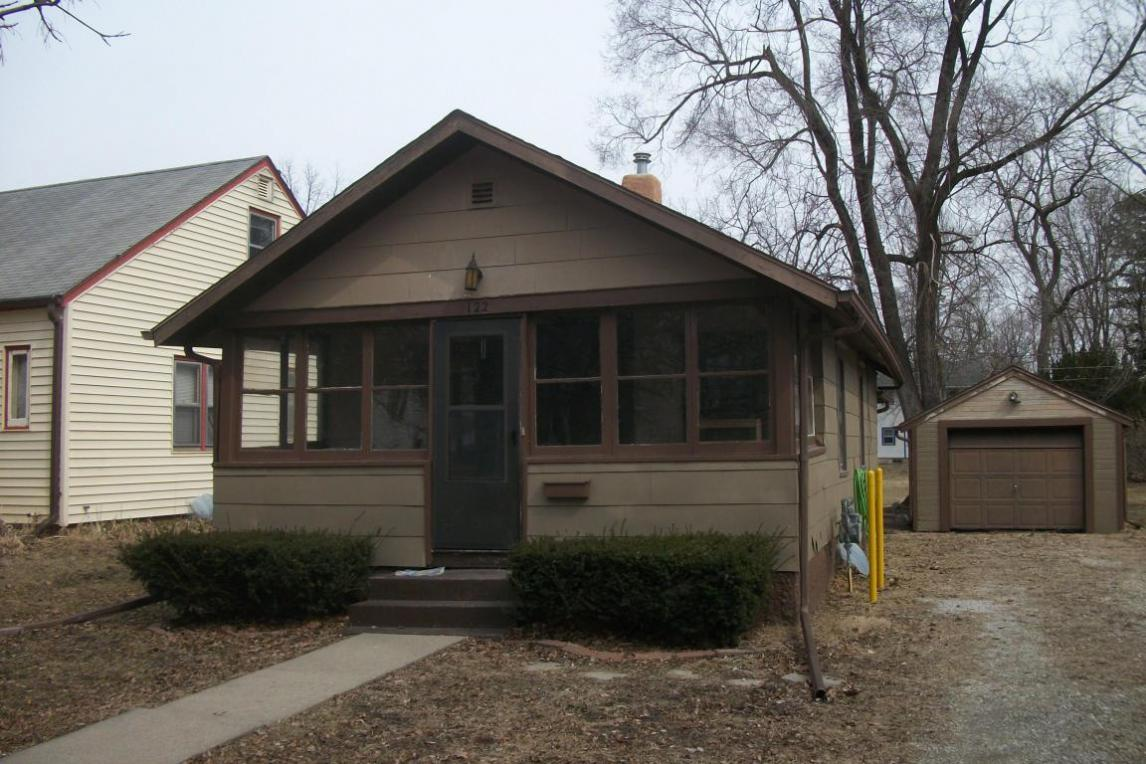 122 S Russell Avenue, Ames, IA 50010