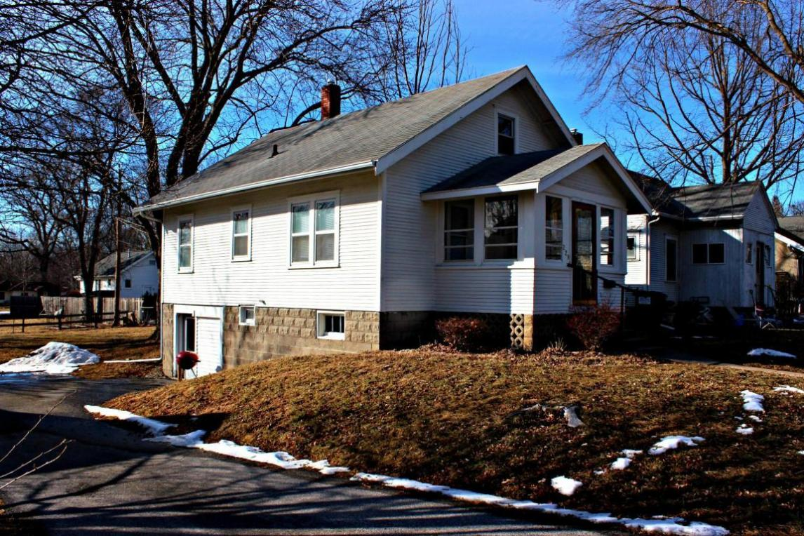 229 S Russell Avenue, Ames, IA 50010