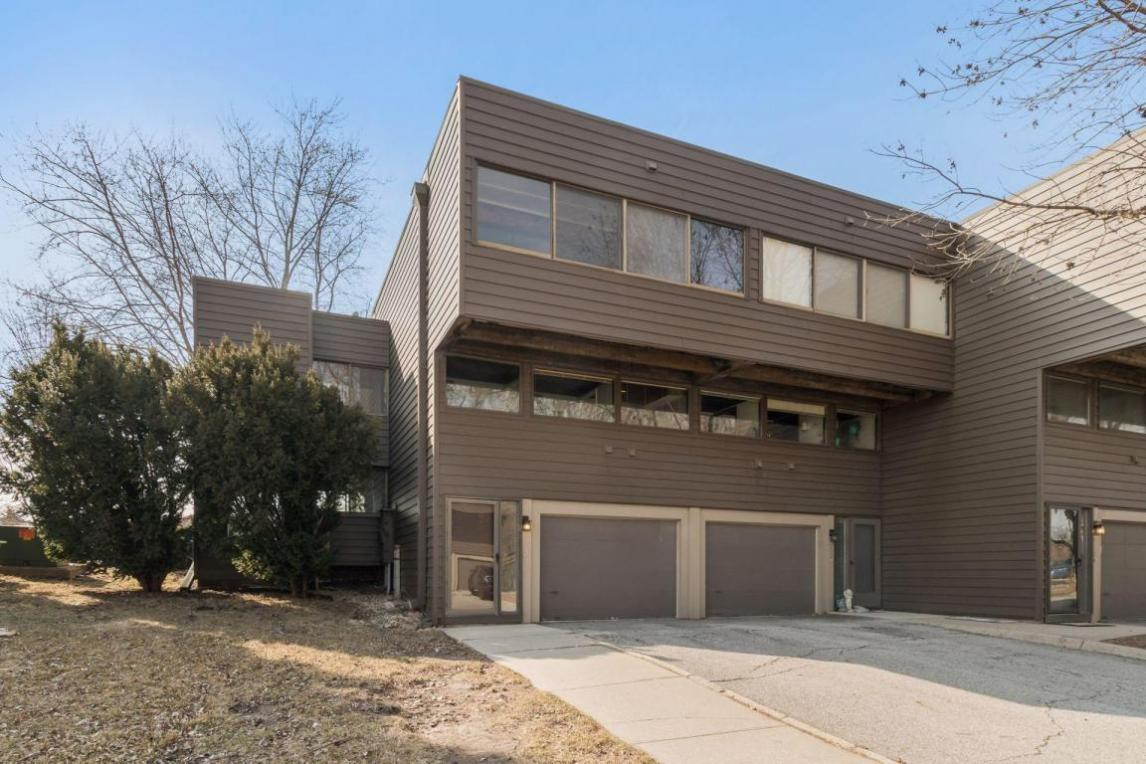 924 S Dakota Avenue, Ames, IA 50014