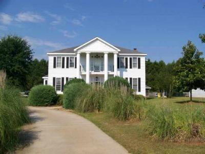 Photo of 112 Country Squire Rd, Perry, GA 31069