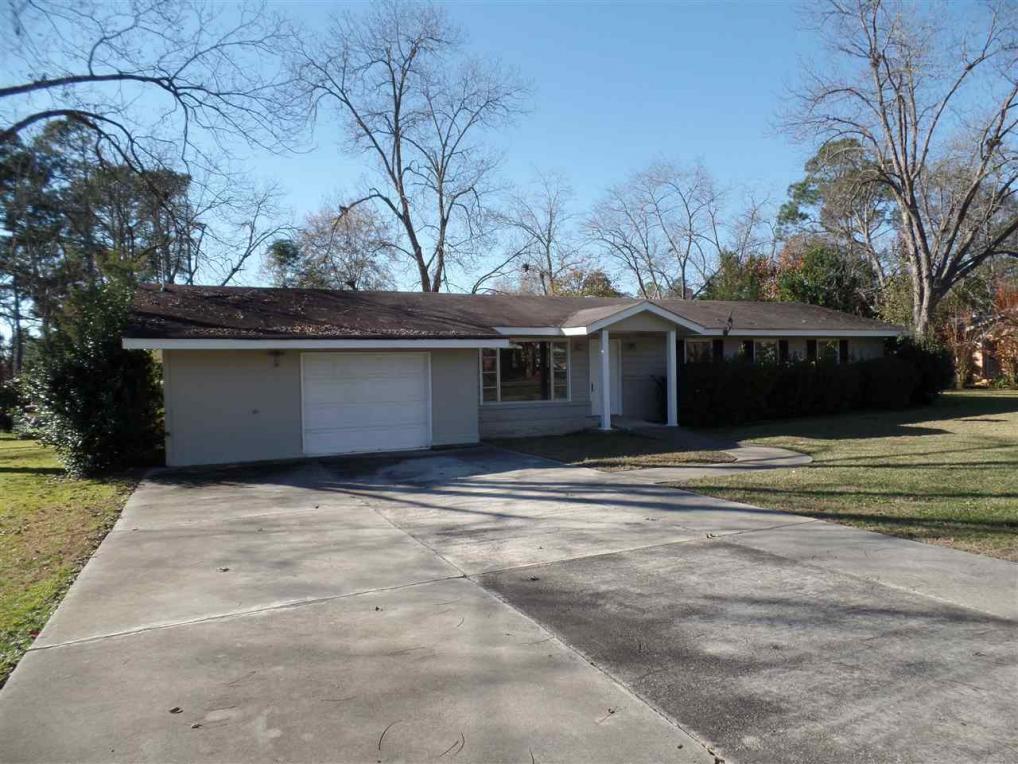 817 Moreland, Perry, GA 31069